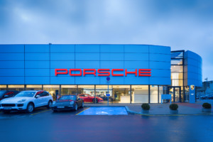 Автомагазин Porsche в Таллинне
