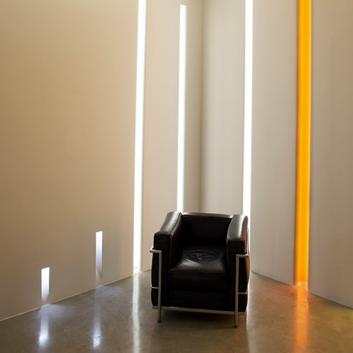 Vertical Light_flos