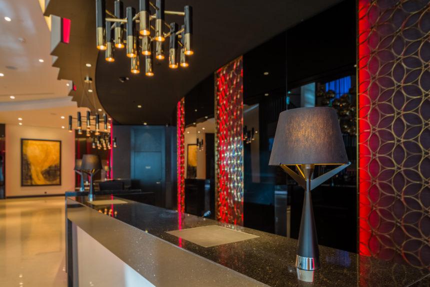 Hilton vestibüül_Delightfull_Axis-valgustid
