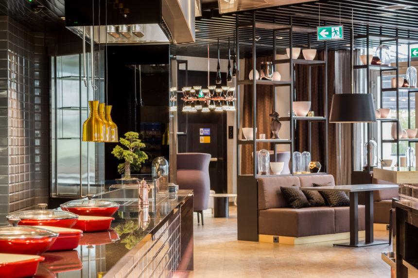Hilton restoran_Hektor Light valgustid