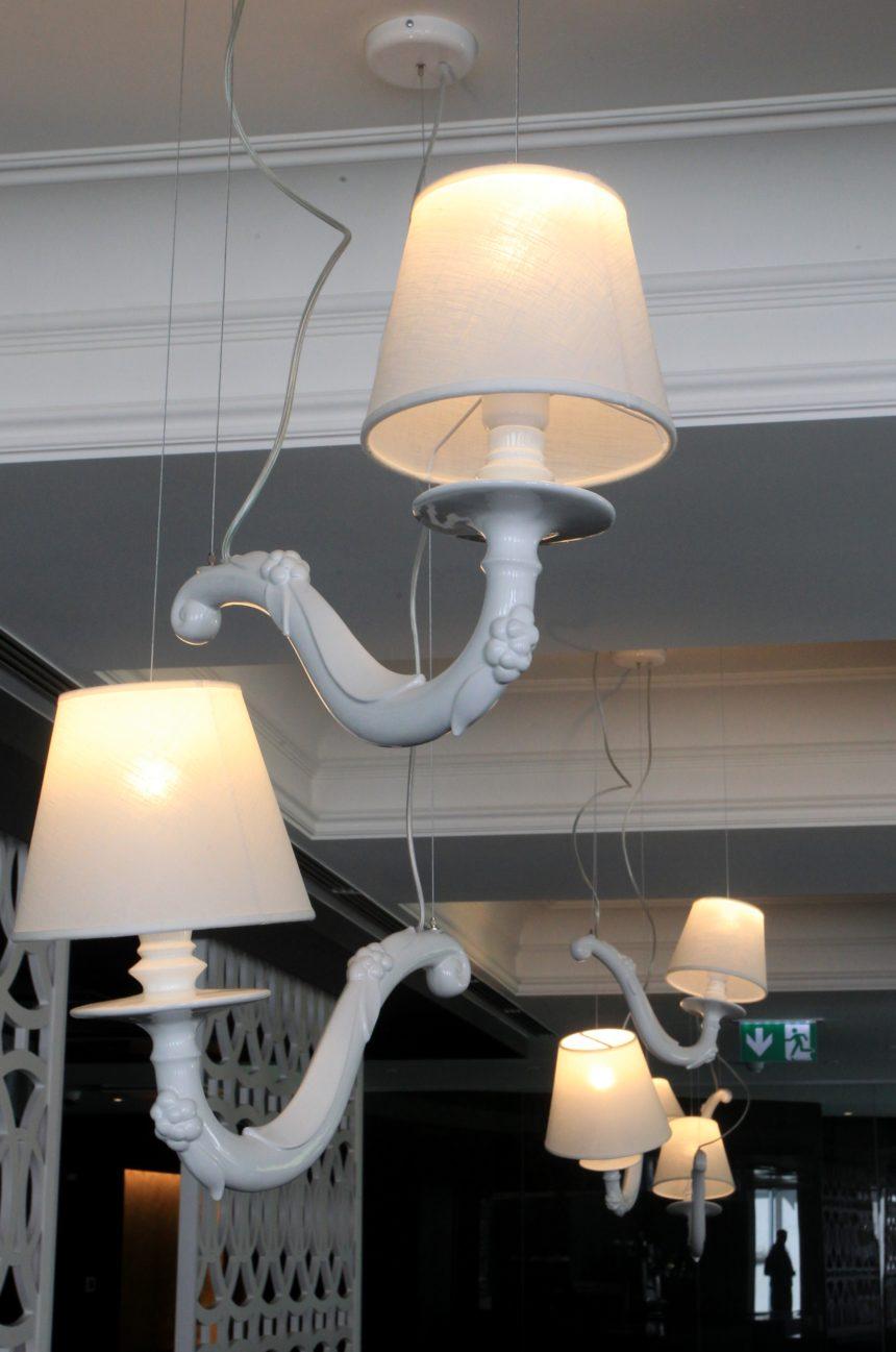 Lydia hotell valgustid
