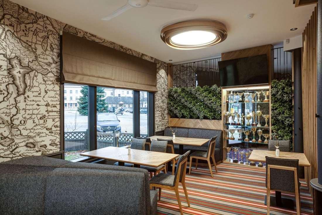 Ugandi restoran porfolio Hektor Light 5
