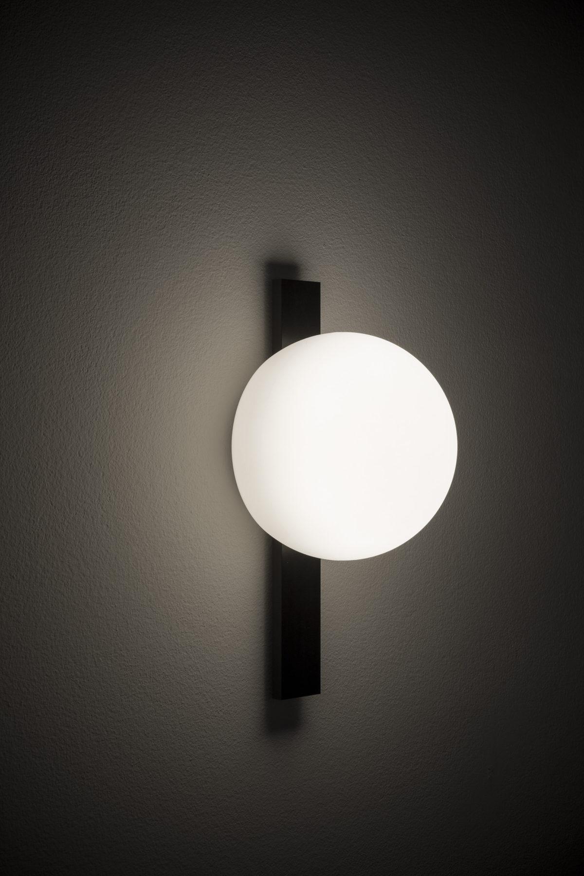 Circ_A-3720_wall_lamp_estiluz